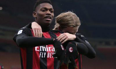 Milán se levanta y sigue solo en la cima
