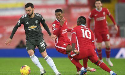 Manchester United sale de Anfield con la cima de la Premier