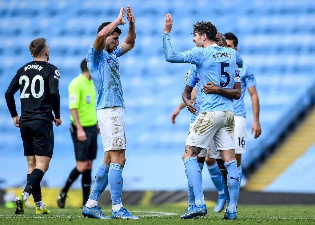 Manchester City está imparable: 20 victorias en fila