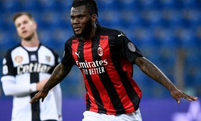 Milán no pierde el paso ante el Parma